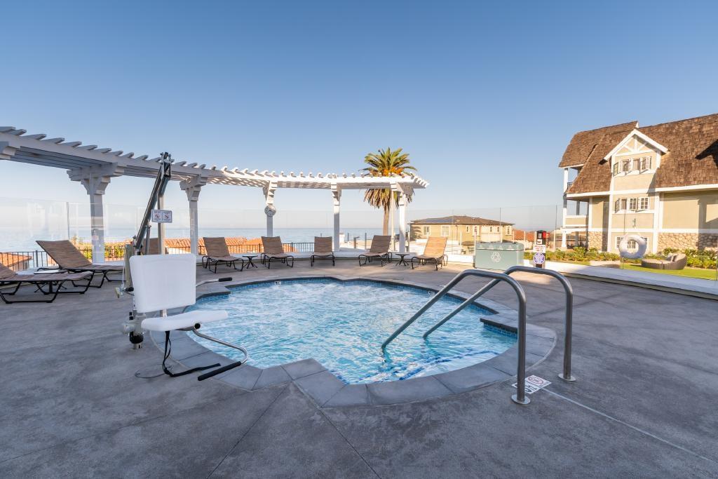 Carlsbad Resort Hotel Courtyard Jacuzzi