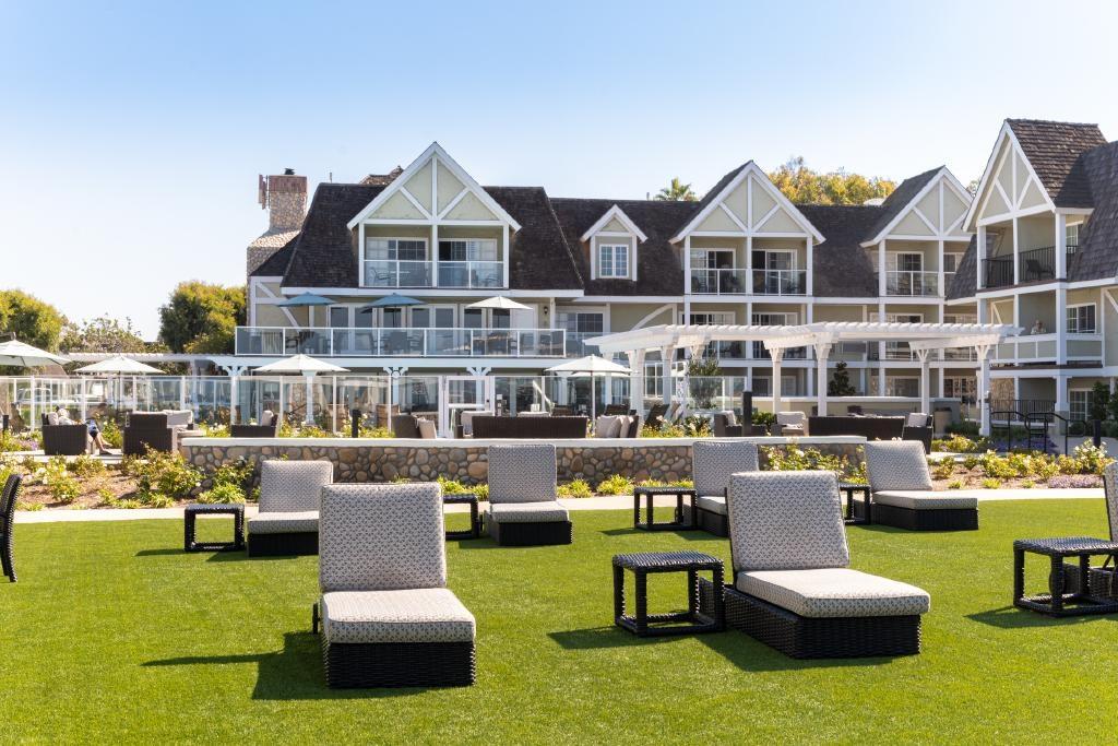 Carlsbad Resort Hotel Courtyard
