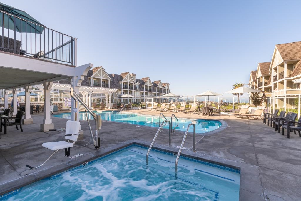 Carlsbad Resort Hotel Pool Jacuzzi Courtyard